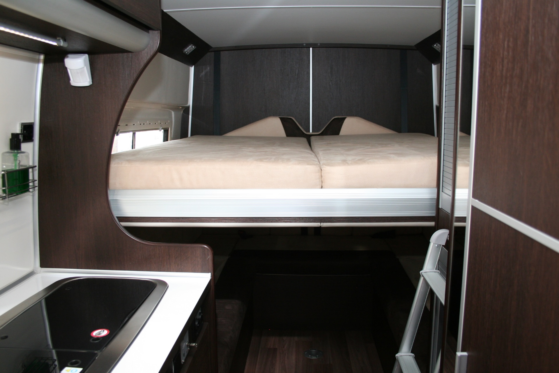 Team Travel 636 L4H2 Fiat Ducato Bunkervan (2)