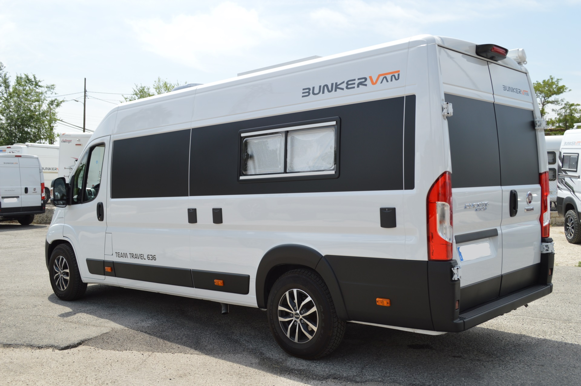 Team Travel 636 L4H2 Fiat Ducato Bunkervan (30)