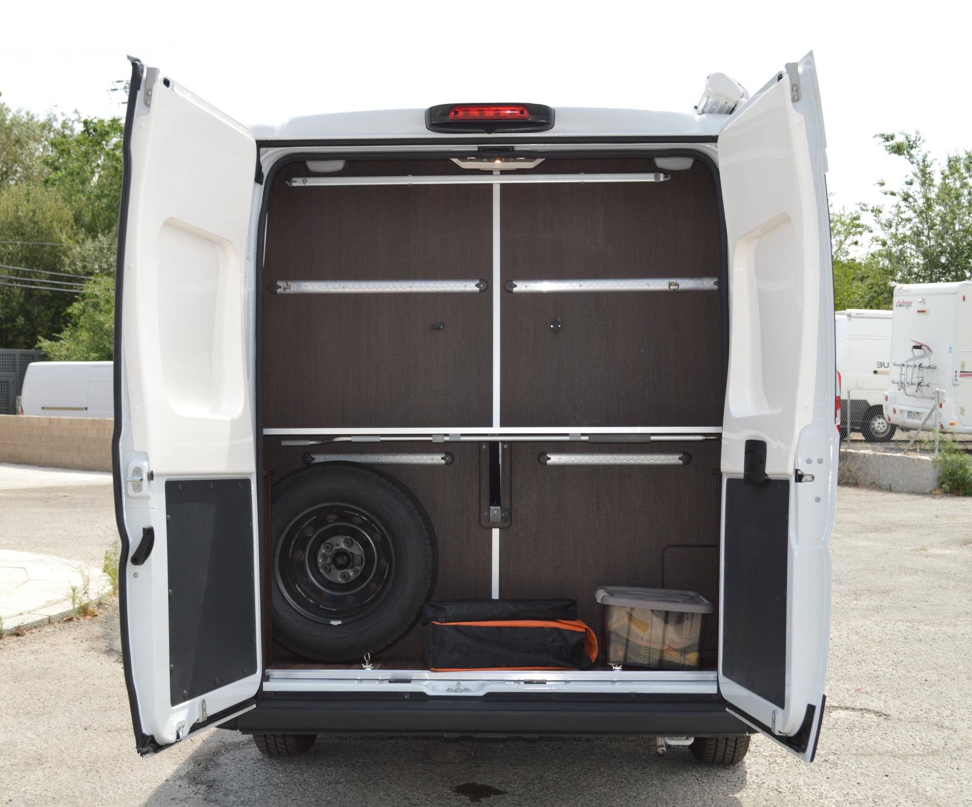 Team Travel 636 L4H2 Fiat Ducato Bunkervan (32)