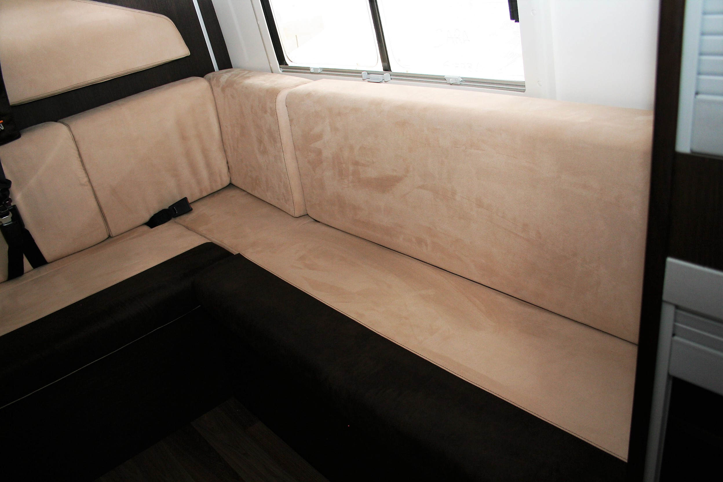 Team Travel 636 L4H2 Fiat Ducato Bunkervan (35)